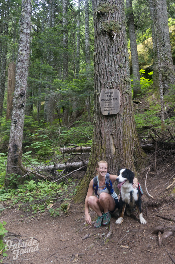 Outside Found Bus | Trail Running to Alaska Lake in Snoqualmie Pass, Washington